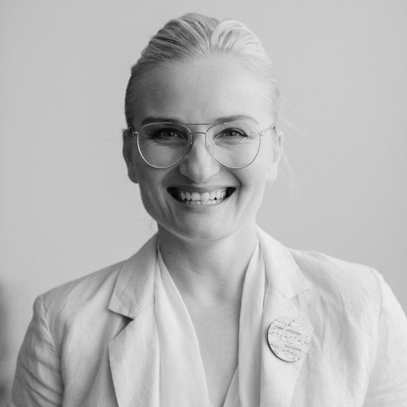Portrait of Ewelina Ellsmore